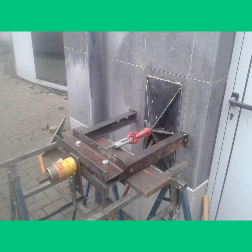 prove di estrazione o taglio su ancoraggi, barre o tasselli