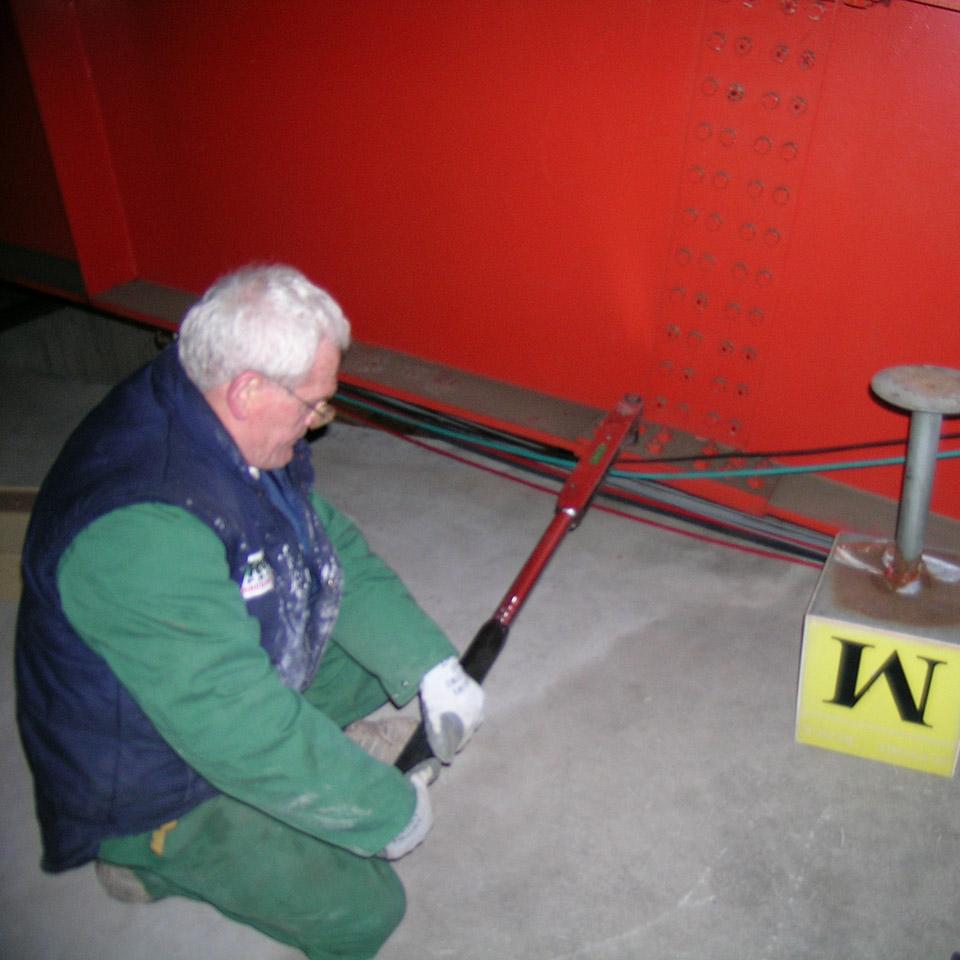 Verifica della coppia di serraggio di bulloni